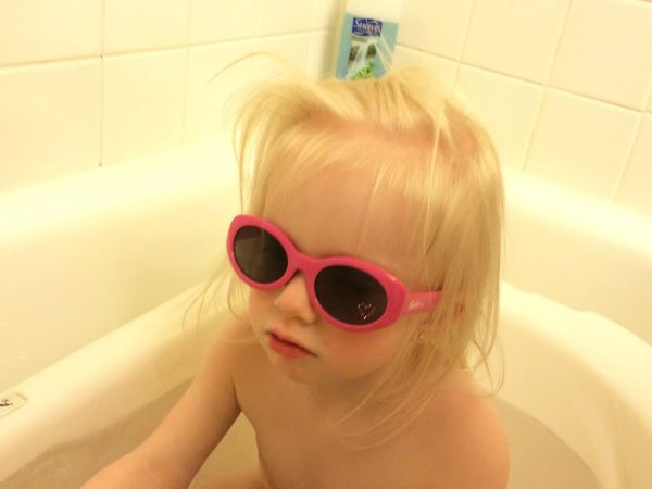 Sunnies in the tub